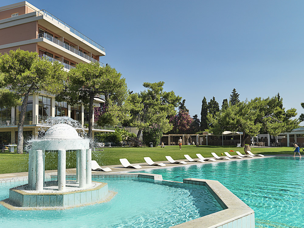 acropolis hotel corinthos