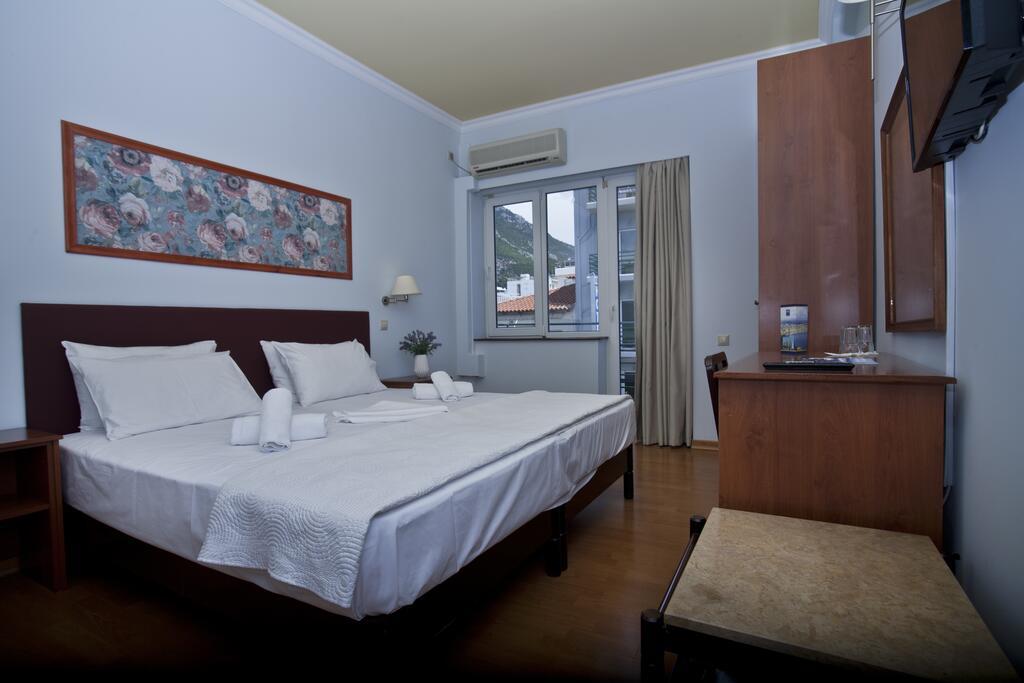 Grand Hotel Loutraki2